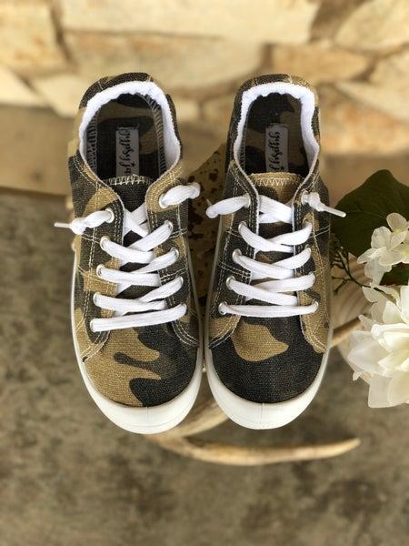 Gypsy Jazz Rori Camo Lace Up Sneakers SIZE