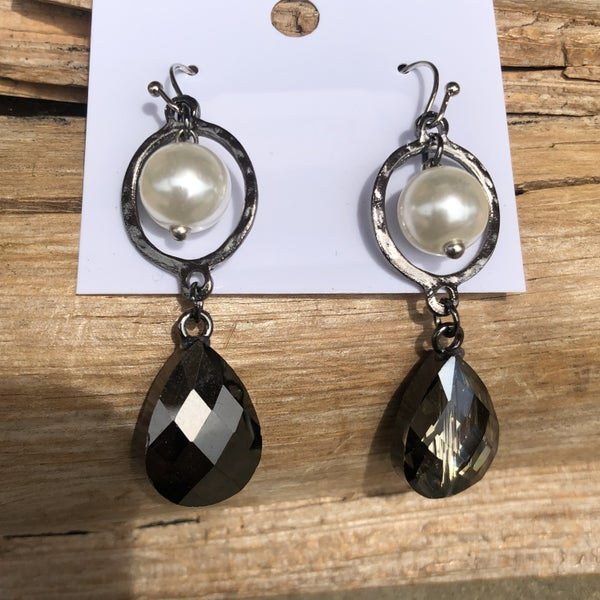 Grey Pearl Charm Ring Earrings