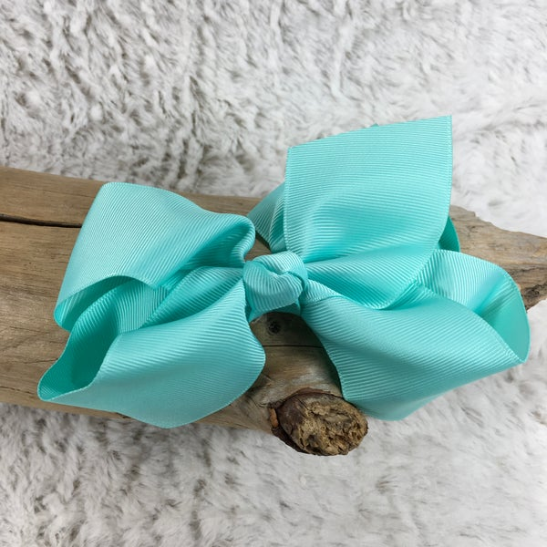 Medium Mint Bow