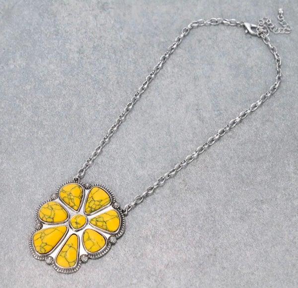 Silver Western Concho Mustard Stone Pendant Necklace