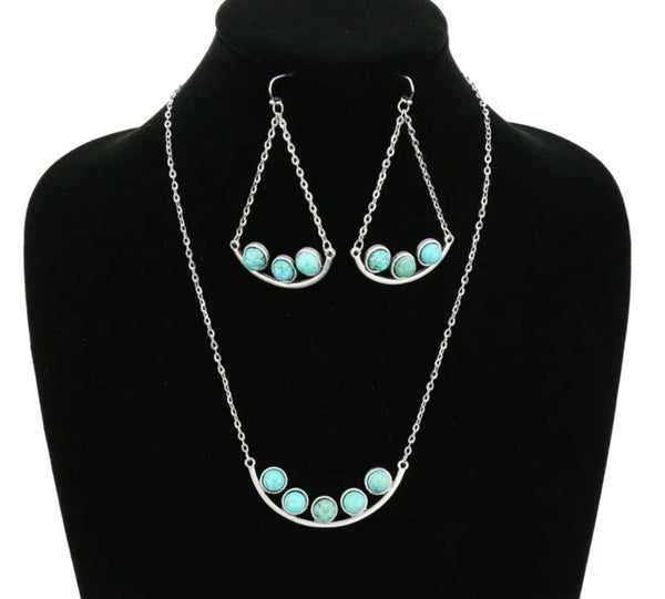 "18"" Long Chain with Turquoise Stone Design Necklace Set"