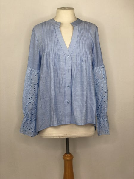 M Baby Blue Button Down w/ Eyelet Sleeve