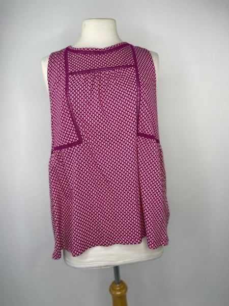 L Old Navy Pink Patterned Sleeveless Tee