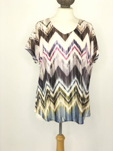 XL New Directions Multicolor Chevron Studded Top