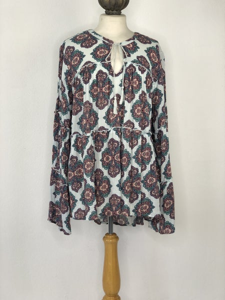 3X Red Camel Light Blue Tunic w/ Multicolor Paisley
