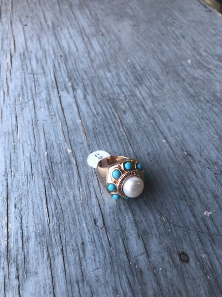 Bronze Ring with Pearl Stone and Glue Accent Stones