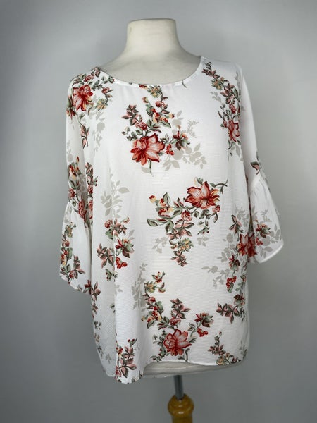 M Bobeau Red Floral Ruffle Sleeve Top
