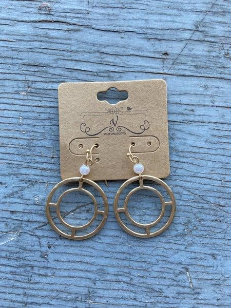 Gold Dangle w/ pearl Earring