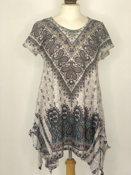 M Altar'd State Heather Gray Knit w/ Paisley Print