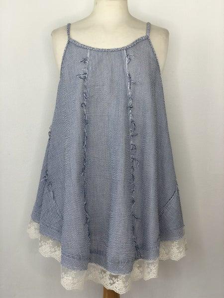 L Umgee Blue/White Seersucker Sleeveless Top