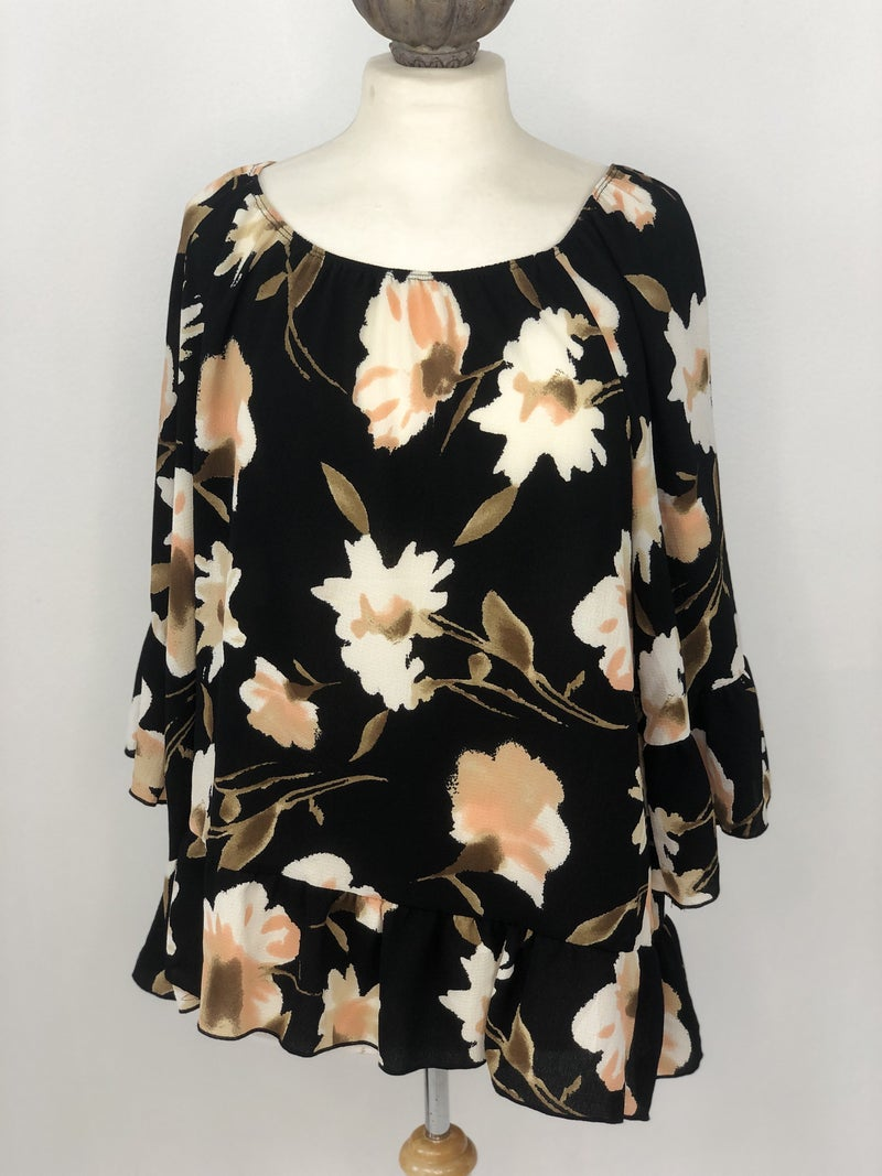 1X Free Kisses Black Floral Top