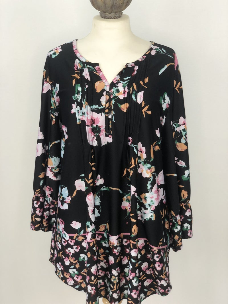 1X N Touch Black Floral Blouse