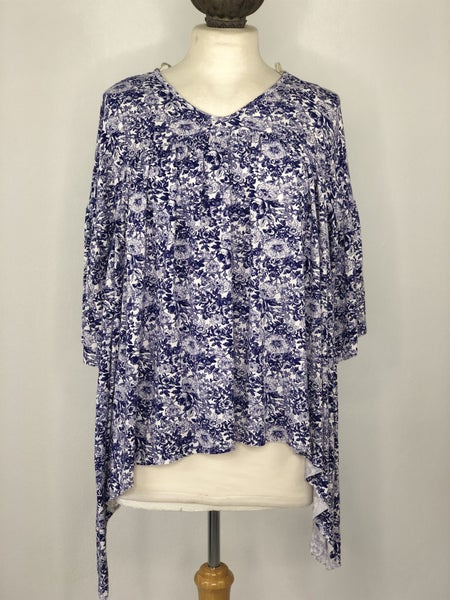 S Gimmicks Blue/White Floral Top