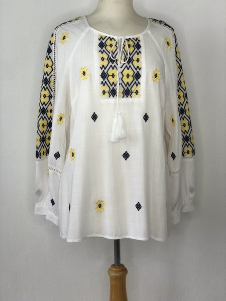 M Luna Moon White Embroidered Blue/Yellow Tunic