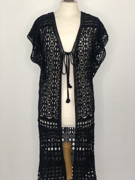O/S Do everything in Love Black Lace Duster