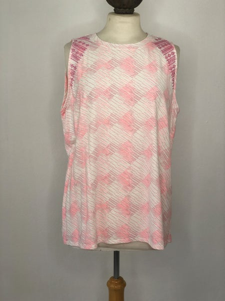 XL Carve Designs White/Pink Line Tank