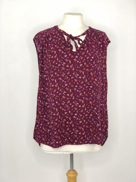 XL Old Navy Plum Micro Floral Knit Top