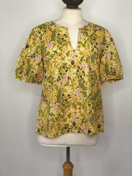 L Old Navy Yellow Floral Print Top