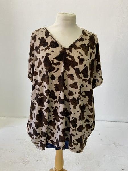 Pixi + Ivy V-neck Cow Top