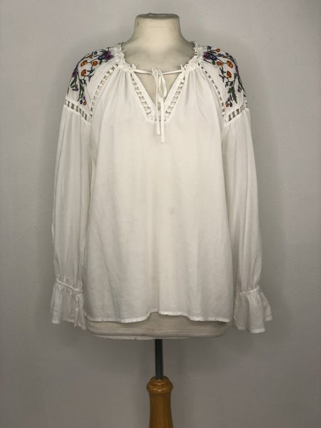 S ANA White Blouse w/ Floral Shoulder Embroidery Tunic