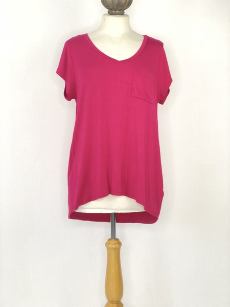 XL Cable & Gage Hot Pink V-Neck Tee