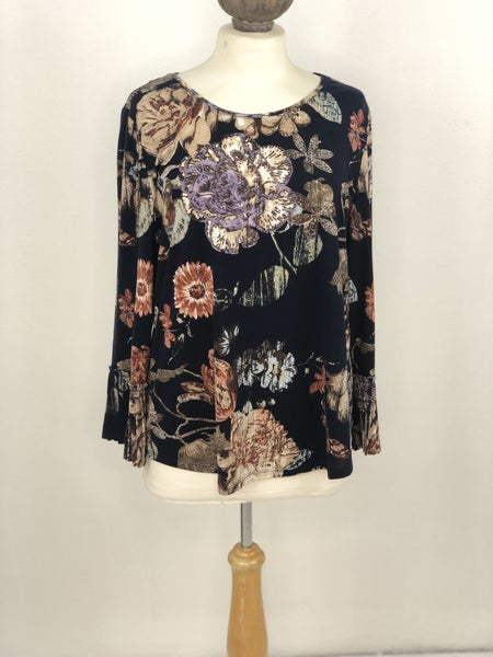 8 Chico's Navy Floral Top