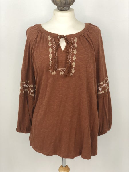 XL New Directions Camel Embroidered Top