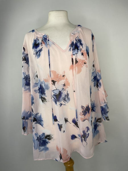 1X I.N. Studio woman Pink Ruffle Sleeve Floral Blouse