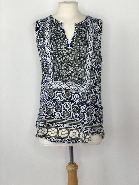 L Lucky Brand Blue/White/Green Pattern Sleeveless Top