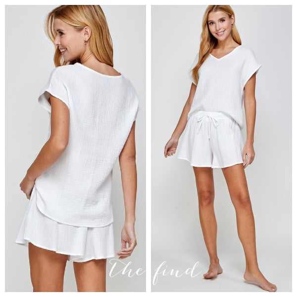 Naomi Set in White