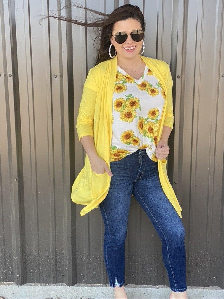 Reg/Plus Honey Me Ivory Sunflower V-Neck Top *Final Sale*