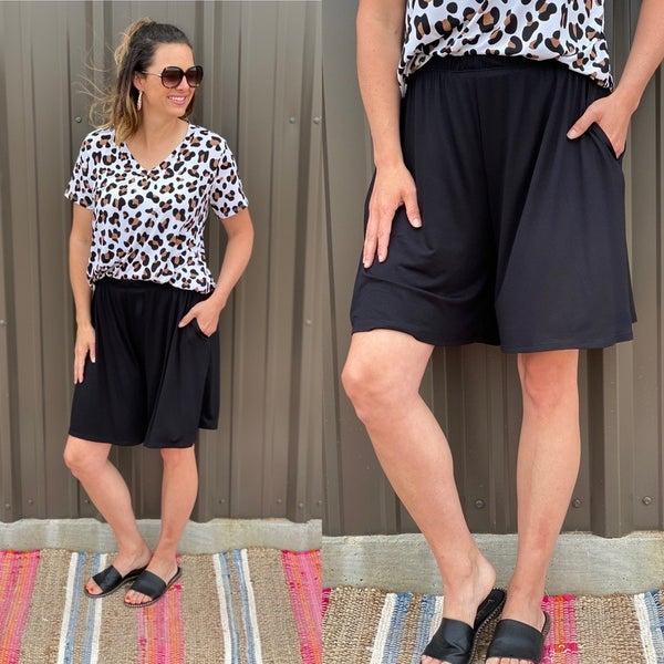 Bom Bom Black Elastic Waist Shorts