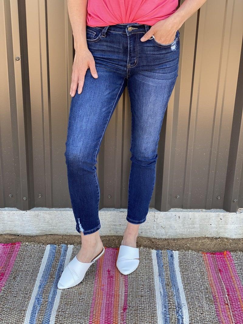 """Vervet """"Mischief"""" Mid-Rise Crop Jeans *Final Sale*"""