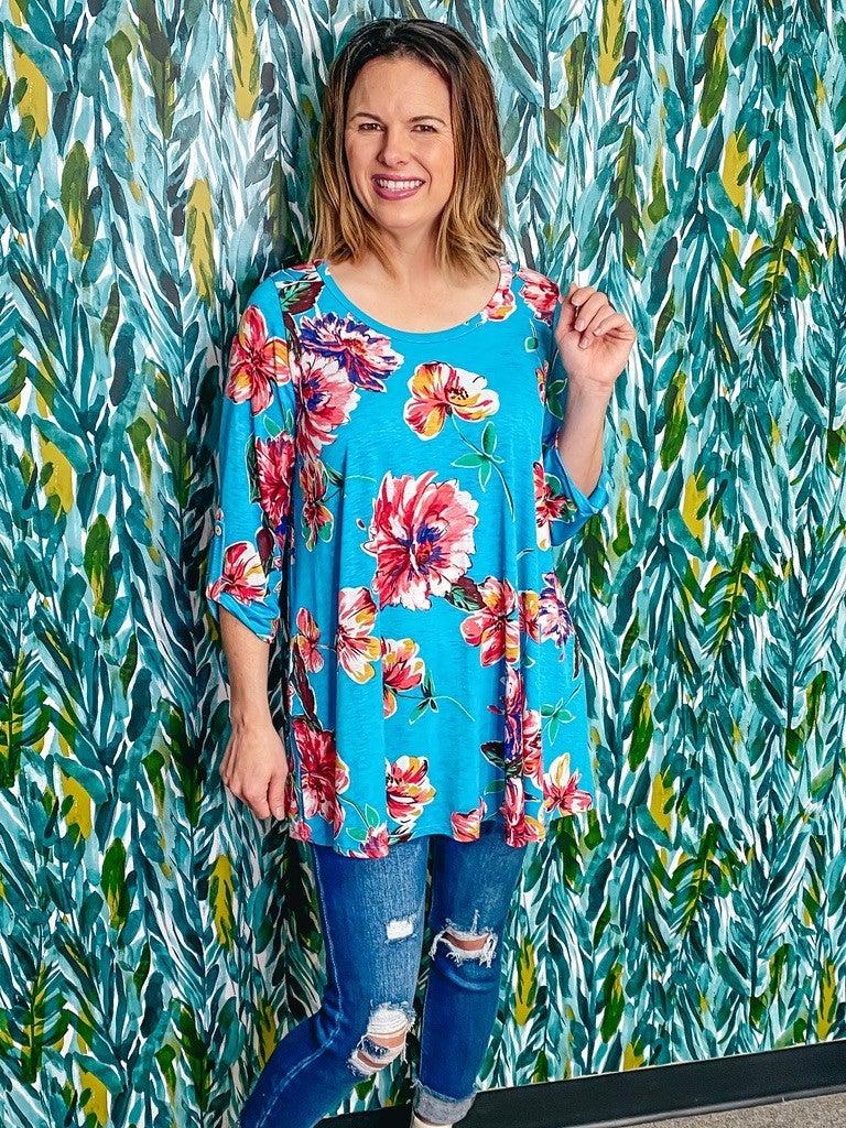 Reg/Plus honey Me Blue Floral 3/4 Sleeve Top