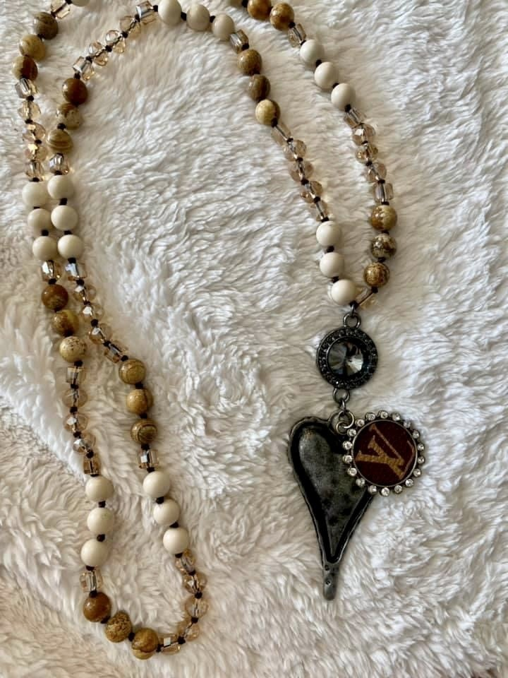 INSPIRED NATURAL STONE HEART NECKLACE