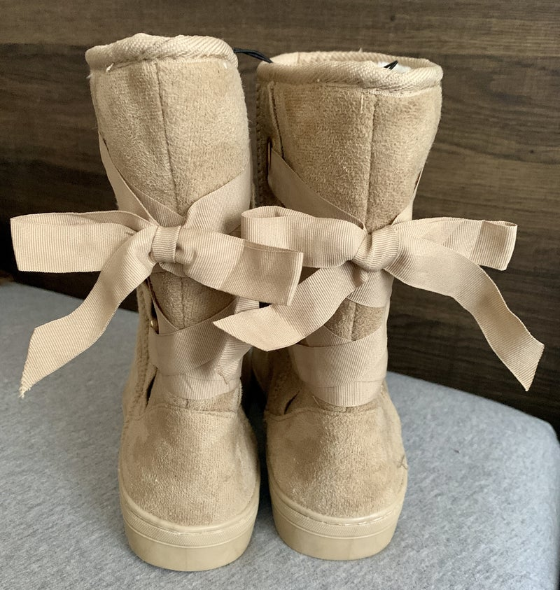 TAN KENSIE FUR LINED BOOTS WITH BOW BACK