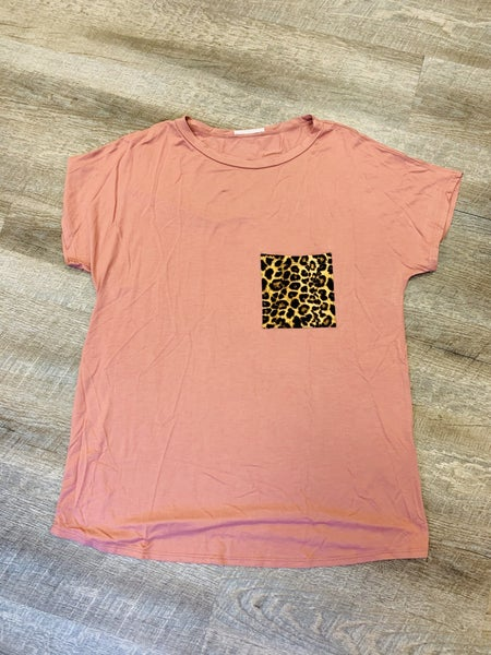 MAUVE LEOPARD POCKET TOP