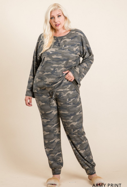 Women's French Terry Camo Print Knit Top & Pants Loungewear Set