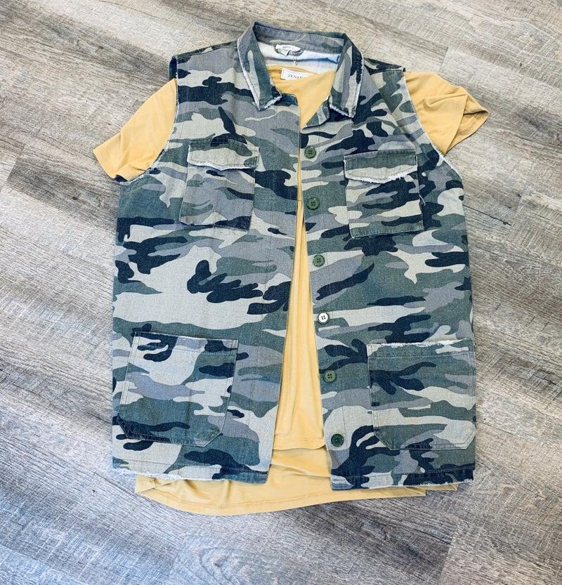 Sleeveless Camo Vest