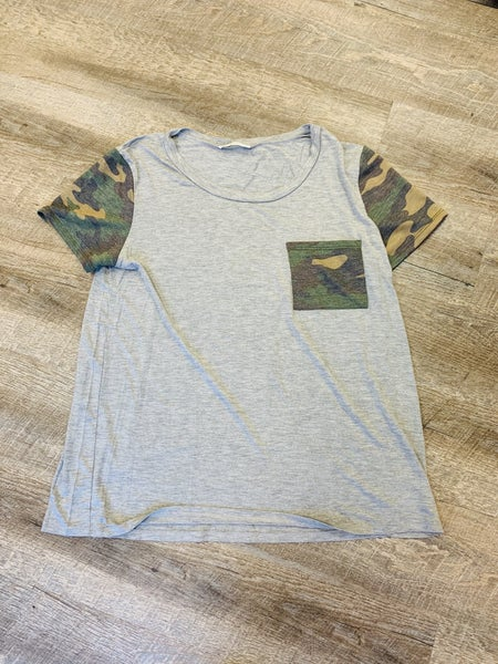 CARLEY CAMO POCKET TEE