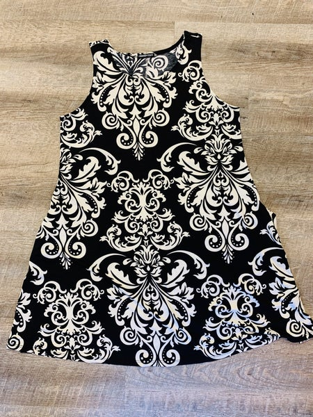 Black / White Dress with Pockets