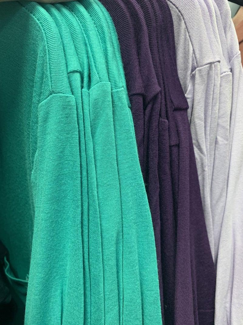 V-Neck Curvy T-Shirt