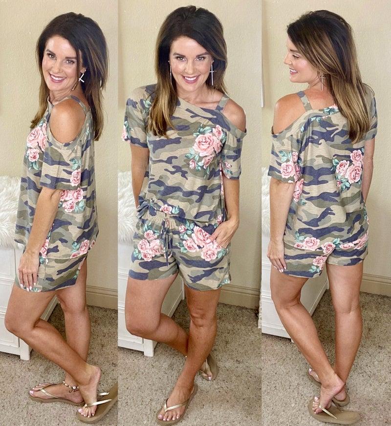 Feminine Casual Camo Shorts