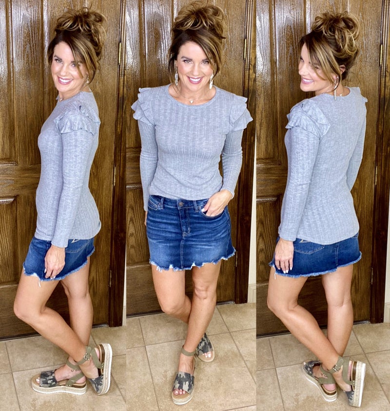 Solid Ribbed Feminine Knit Top