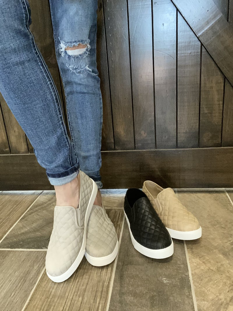 Trendy Quilted Slide On Shoes - 3 colors!!