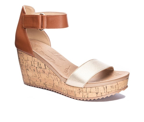 The Kaya Wedges in Gold