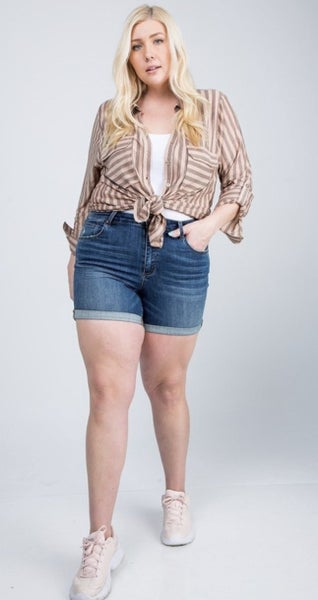 The Curvy Mid-rise Mindy Shorts