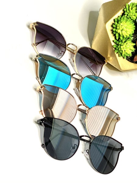 Surprise Steal - Vintage Vogue Sunnies - 4 Colors