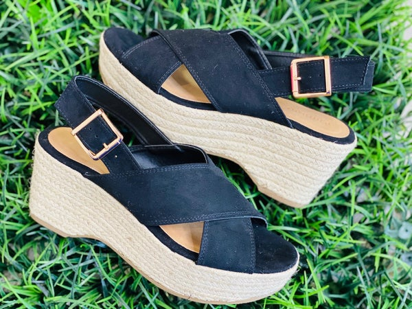 The Criss Cross Espadrilles in Black