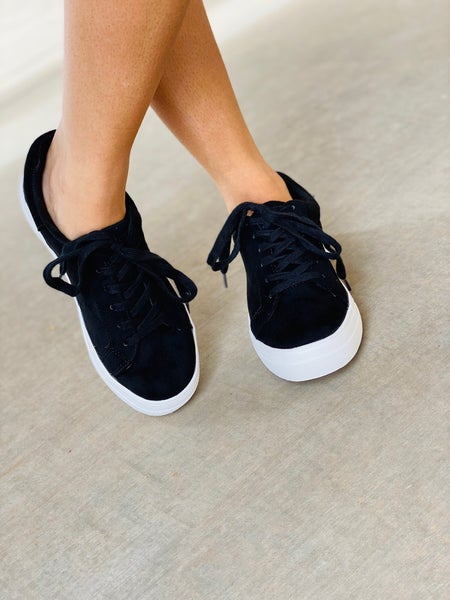 The Cloud Black Sneakers